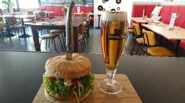 Lunch & Dinnercafé met afhaal & bezorg functie  in modern overdekt winkelcentrum in het bruisende hart van Hoogeveen foto 8