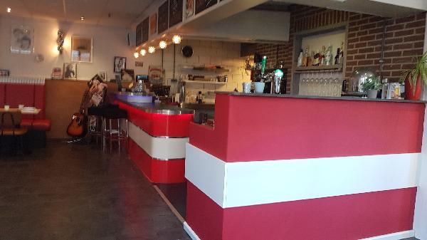 Lunch & Dinnercafé met afhaal & bezorg functie  in modern overdekt winkelcentrum in het bruisende hart van Hoogeveen foto 3