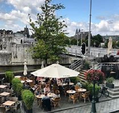 Te huur in centrum Maastricht leuke horecazaak zonder overname.  foto 3