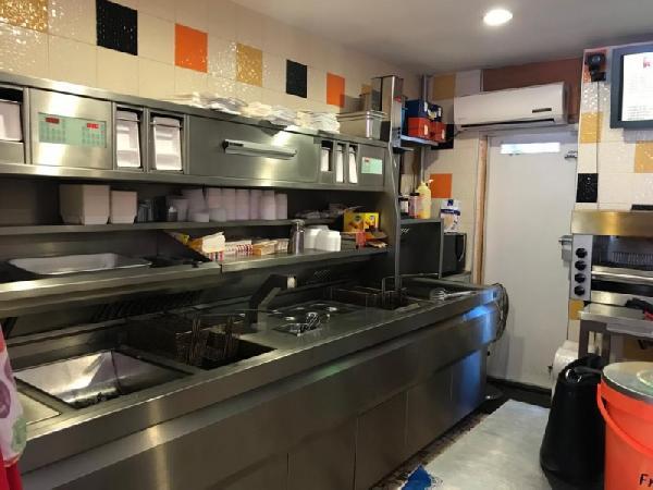 Cafetaria te koop in grote woonwijk in Rotterdam foto 2