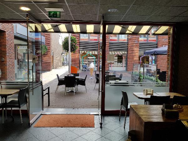Cafetaria Eetcafé op super doorloop locatie in winkelcentrum met veel passanten  foto 6