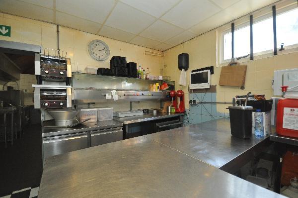 Te koop, goed Gezellig bekend staand Burgerbar-Restaurant met ruim terras in Barneveld    foto 13