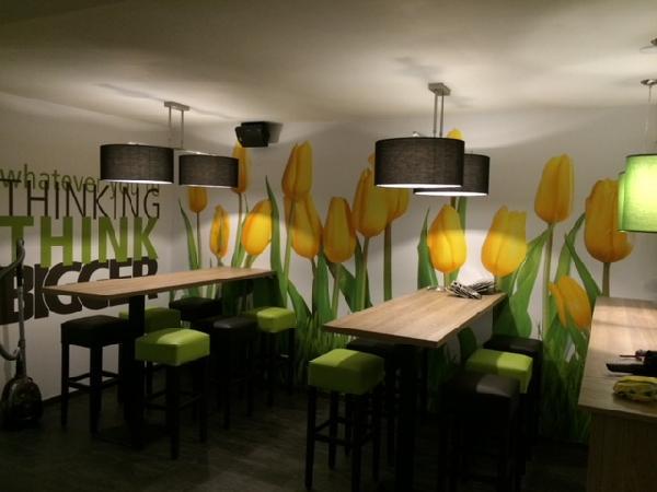 Cafetaria & Grillroom met ruim terras in centrum Veenendaal foto 7