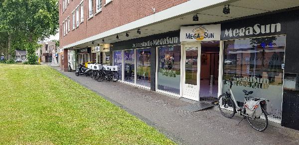 Afhaal & bezorg restaurant keuken, op super locatie op 2 adressen 2 bedrijven in 1 pand - Top Reviews foto 2