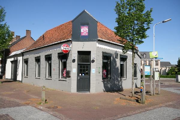 Horecapand in dorpscentrum aan de Belgische grens. Te koop of te huur. foto 1