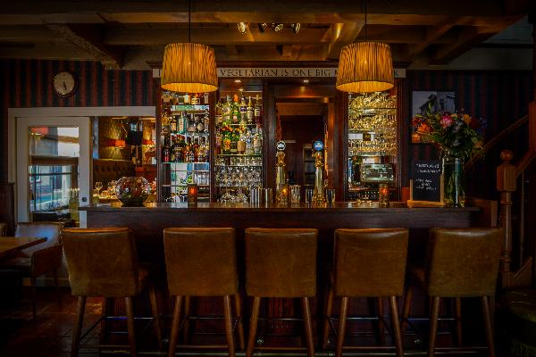 Sfeervol gerenommeerd restaurant in rijksmonument ter overname.  foto 7