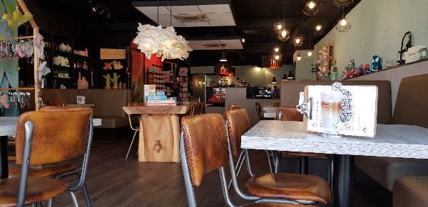 Lunchroom & Kado-concept winkel Dagzaak met terras in leukste winkelstraat van Ommen foto 6