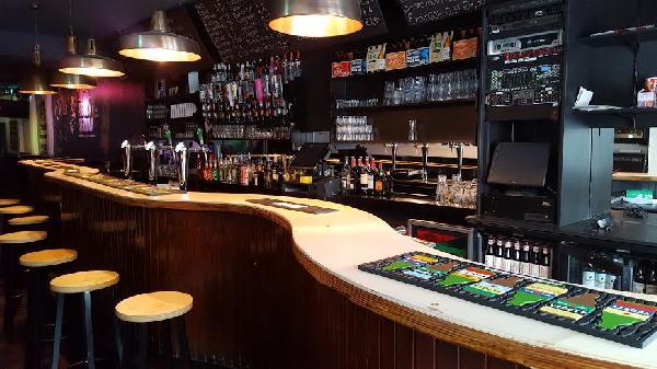 Café voor € 950,- huur op zeer goede locatie in Terneuzen. foto 1