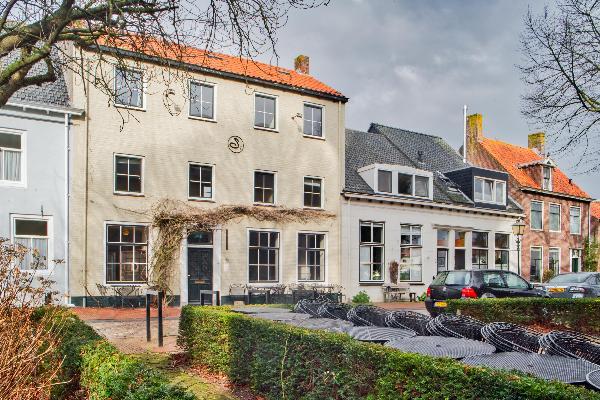 Casco authentiek restaurant met ruime bovenwoning in Groede.