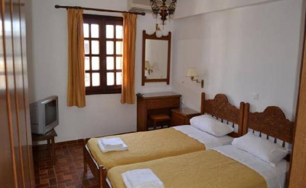 Mooi kleinschalig toeristisch hotel ter overname in Agios Nikolaos foto 11