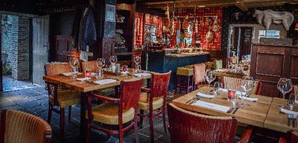 Sfeervol gerenommeerd restaurant in rijksmonument ter overname.  foto 5