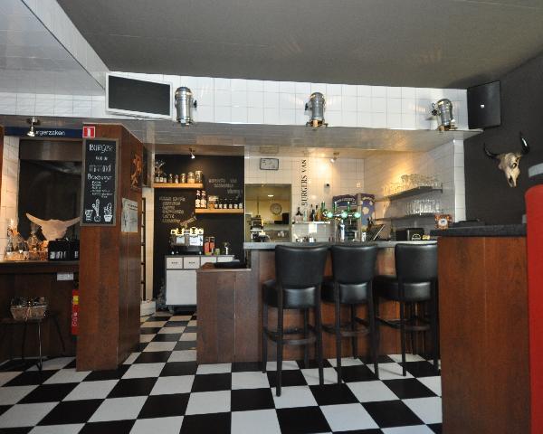 Te koop, goed Gezellig bekend staand Burgerbar-Restaurant met ruim terras in Barneveld    foto 7