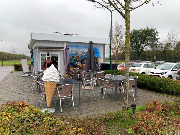 Lunchroom/hamburgerrestaurant ter overname aangeboden foto 2