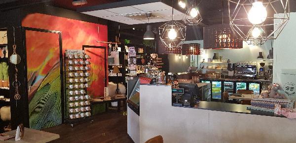 Lunchroom & Kado-concept winkel Dagzaak met terras in leukste winkelstraat van Ommen foto 12