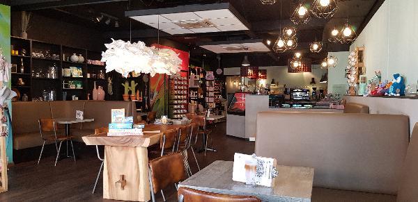 Lunchroom & Kado-concept winkel Dagzaak met terras in leukste winkelstraat van Ommen foto 7