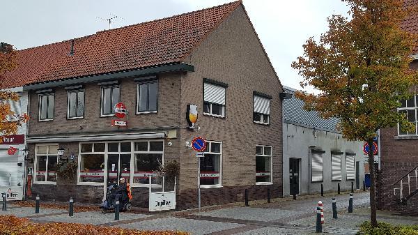 Café met bovenwoning en grote zaal in Clinge (Hulst) te huur. foto 2