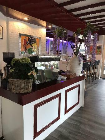 Hotel blijft open met ontbijt mogelijkheid !! Reserveer gerust  foto 13