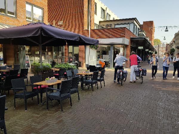 Cafetaria Eetcafé op super doorloop locatie in winkelcentrum met veel passanten  foto 28
