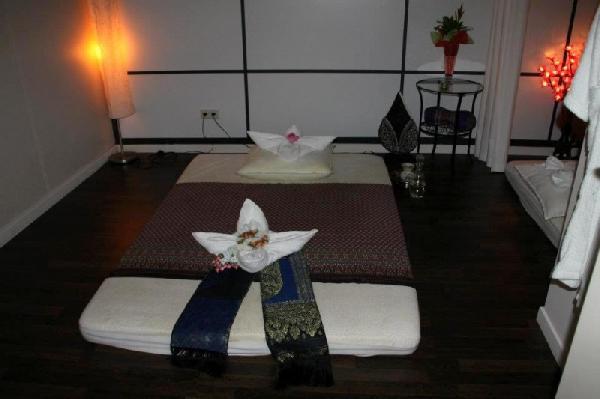Massage/ beautysalon ter overname aangeboden in Den Bosch foto 7