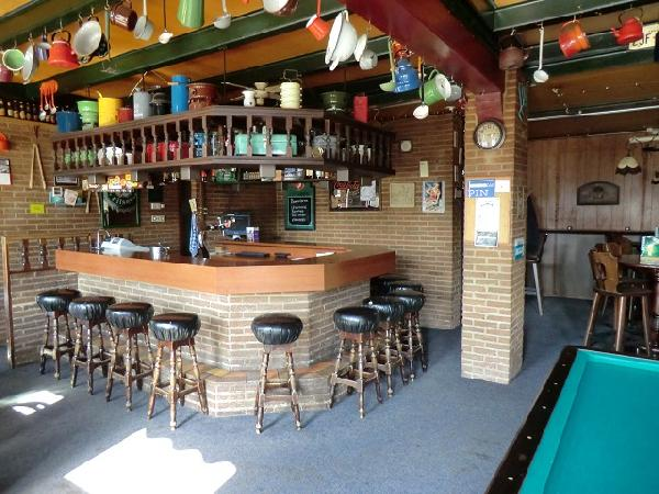 cafe met grote zaal en bovenwoning VERKOCHT foto 4