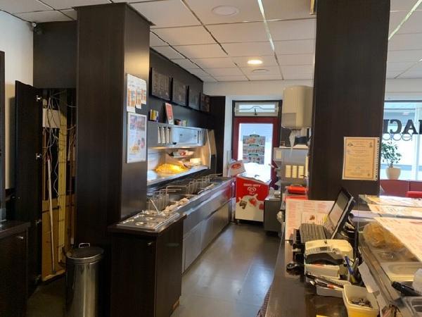 Cafetaria / Chinese-afhaalzaak in winkelcentrum Breda foto 1