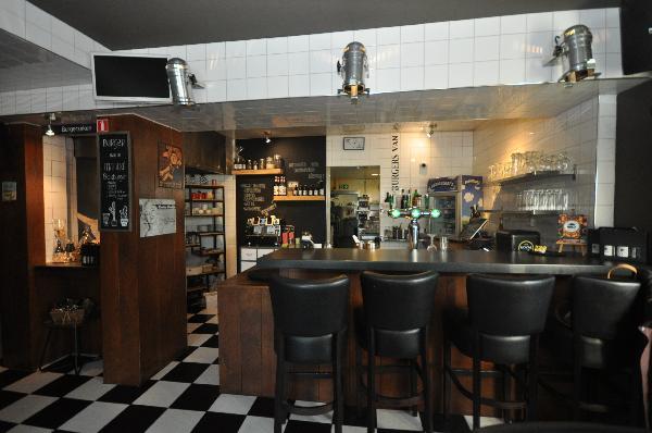 Te koop, goed Gezellig bekend staand Burgerbar-Restaurant met ruim terras in Barneveld    foto 8