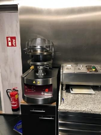 Cafetaria op een hoeklocatie te koop in Eindhoven foto 9