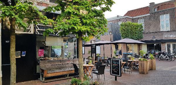 Unieke Koffie & Eethuis op mooie hoeklocatie in de Hoofdstraat t.o. het Theaterhotel Almelo  foto 2