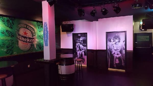 Café voor € 950,- huur op zeer goede locatie in Terneuzen. foto 4