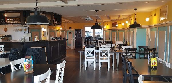 Cafe / Restaurant / Terras aan vaarwater Giethoorn foto 18