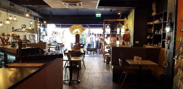 Lunchroom & Kado-concept winkel Dagzaak met terras in leukste winkelstraat van Ommen foto 26