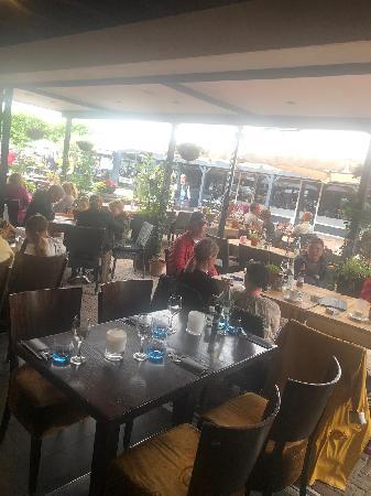 Italiaans Restaurant in het bruisende centrum van Renesse. foto 6