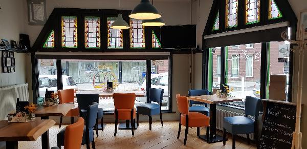 Eetcafé op driesprong aan doorgaande weg vanuit het centrum Deventer foto 21