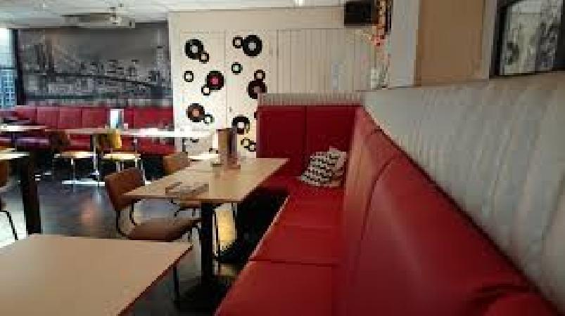 Lunch & Dinnercafé met afhaal & bezorg functie  in modern overdekt winkelcentrum in het bruisende hart van Hoogeveen foto 10