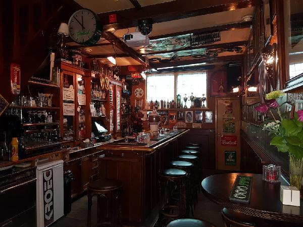 Café met 2 terrassen aan de Gracht en aanlegplaats rondvaartboot   foto 8