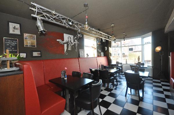 Te koop, goed Gezellig bekend staand Burgerbar-Restaurant met ruim terras in Barneveld    foto 5