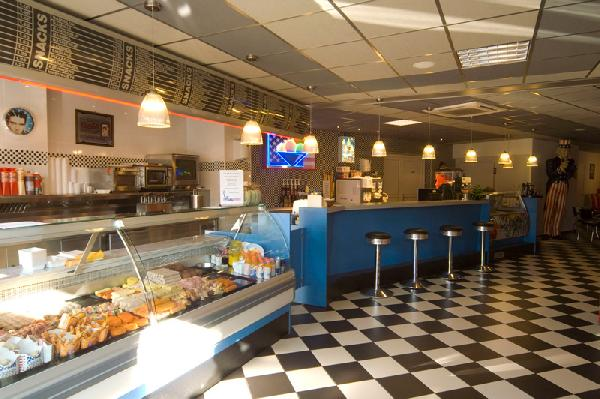 Te koop gevraagd voor solvabele kandidaat cafetaria snackbar in Twente  foto 1