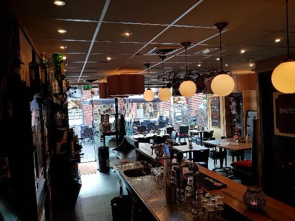 Cafetaria Eetcafé op super doorloop locatie in winkelcentrum met veel passanten  foto 18