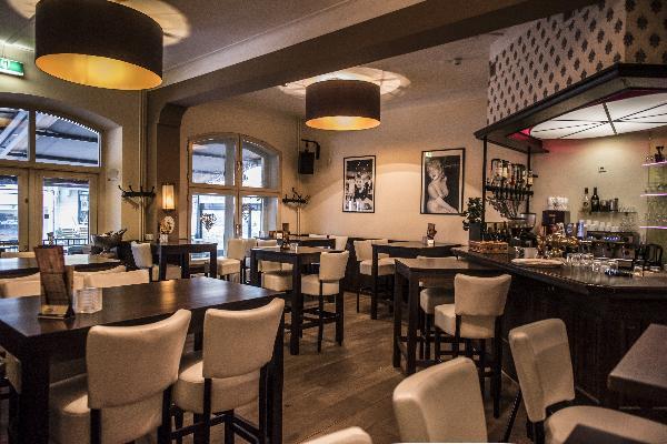 Hotel in Valkenburg met 17 kamers en Brasserie foto 13