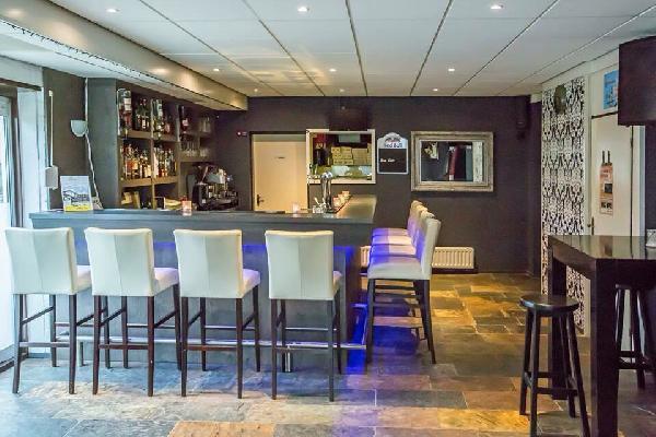 Eetcafé / Bar / Restaurant / feestzaal / Mario's IJsselmuiden foto 3