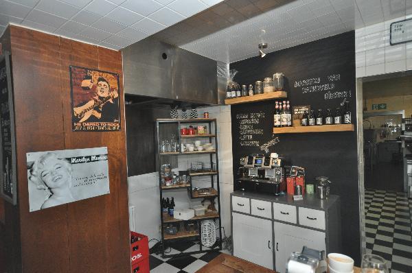 Te koop, goed Gezellig bekend staand Burgerbar-Restaurant met ruim terras in Barneveld    foto 10