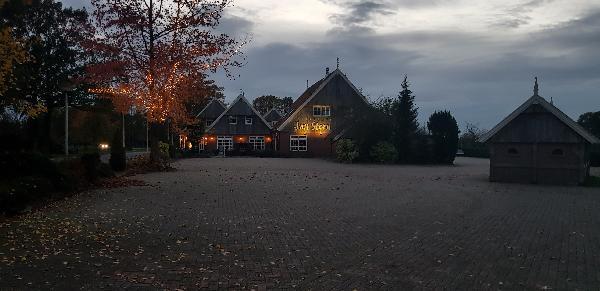 Karakteristiek pand op schitterende locatie net buiten centrum van Tubbergen, perceel 2139m² groot foto 7