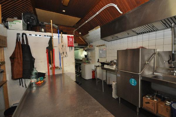 Te koop, goed Gezellig bekend staand Burgerbar-Restaurant met ruim terras in Barneveld    foto 17