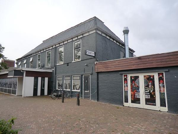 Buitenpost NIEUW overname inventaris Club39/Pub39 VERHUURD foto 2