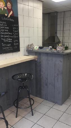 """Ter overname """"Foodjoy"""" te Hoensbroek, mooie snacktaria voor vele doeleinden geschikt. foto 3"""