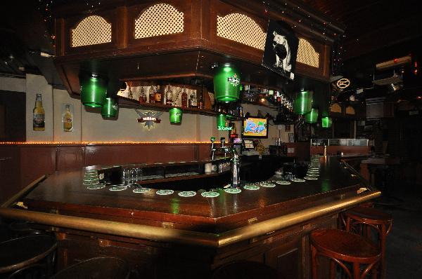Nacht-Feest-Muziek Café in hartje uitgaanscentrum  foto 2