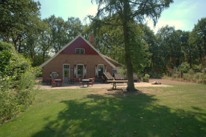 Casco horecaruimte aan rand van vakantiepark in Winterswijk  foto 3