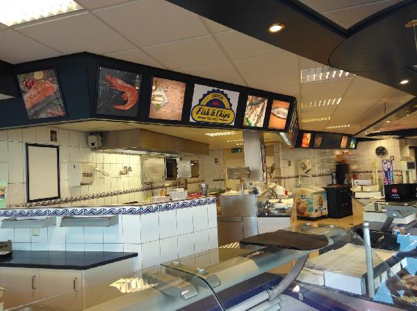 Leeuwarden  lunchroom in winkelcentrum foto 3