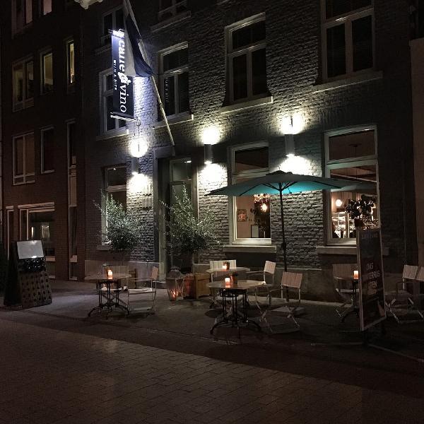 Caffè e Vino in het centrum van Roermond foto 1
