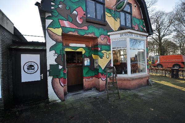 Te koop, goed Gezellig bekend staand Burgerbar-Restaurant met ruim terras in Barneveld    foto 2